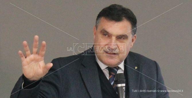 Il sindaco di Paola, Roberto Perrotta