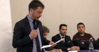 Caraffa, chieste le dimissioni sindaco: «Il Comune rischia il dissesto»
