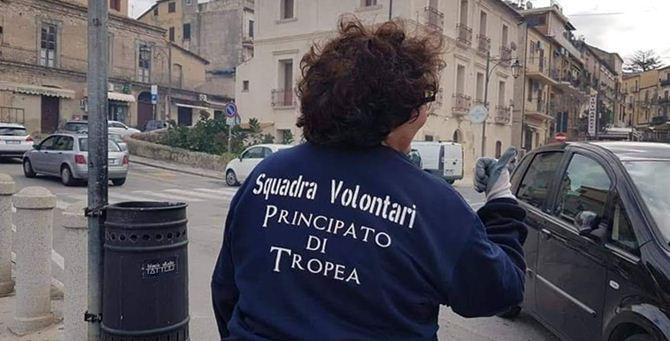 """Un volontario del """"Principato"""" – Foto Facebook"""