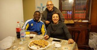 A cena a casa degli stranieri del territorio: l'idea della Progetto Sud