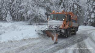 Neve a Cosenza, sulla Statale 107 non passa chi è senza catene