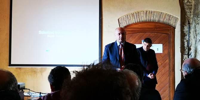 Valerio Caparelli nel corso dell'incontro a Melissa