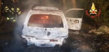 Incendio auto nel Catanzarese