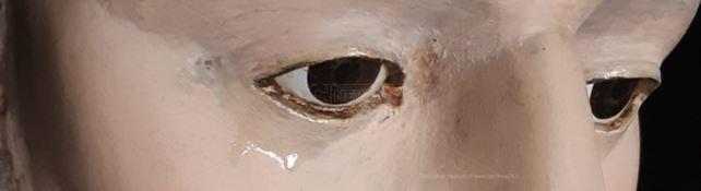 Lacrime sulla statua di San Francesco a Pannaconi, il parroco ai fedeli: «Pregate»