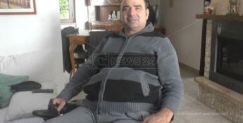 La vita di Antonio distrutta da un tuffo: «In Calabria noi disabili siamo fantasmi»
