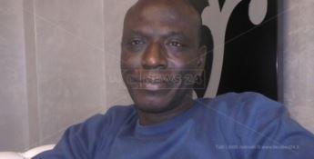 Ibrahima, il mediatore culturale che combatte il razzismo con la gentilezza