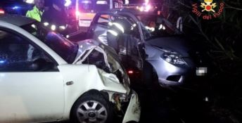 Carambola tra auto sulla 106 a Stalettì, tre feriti