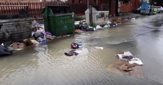 Lamezia, il maltempo colpisce ancora: strade allagate e rifiuti in strada