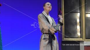 Reggio, al Cilea una straordinaria Veronica Pivetti incanta il pubblico con Viktor-Viktoria
