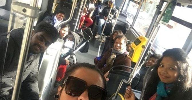 Il selfie dell'autista napoletana Anm