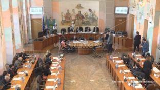 Cosenza, il consiglio all'unanimità contro il Decreto Calabria sulla sanità