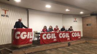 Cgil: «Scontro sanità intollerabile, presto mobilitazione»