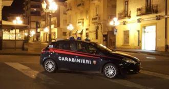 Calci e pugni ai carabinieri, in manette giovane lametino