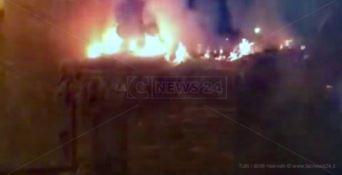 A fuoco la capanna di un presepe vivente nel Catanzarese
