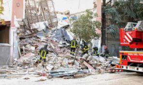 Il crollo della palazzina a Gorizia, foto Ansa