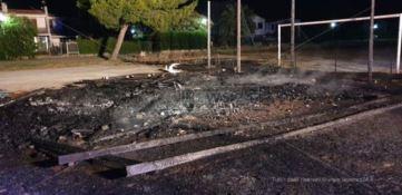 In fiamme attrezzature di un villaggio turistico a Simeri mare