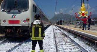 Tragedia sui binari, treno travolge una persona a Praia a Mare