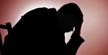 Le lacrime di una famiglia in difficoltà e il grande cuore dei poliziotti