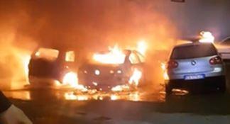 Cinque auto distrutte dalle fiamme a Corigliano-Rossano
