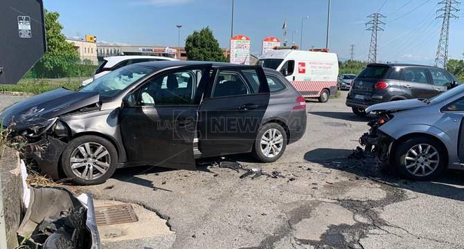 Le auto coinvolte nell'incidente stradale a Rende