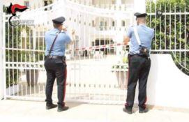 Sequestrato centro accoglienza per migranti abusivo a Melito: 16 indagati