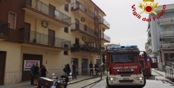 Lo stabile interessato dall'incendio