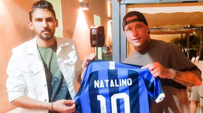 I campioni dell'Inter con la maglia per Natalino