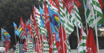 Bandiere di Cgil, Cisl e Uil