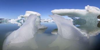 """Dallo scioglimento dei ghiacci una """"bomba"""" di carbonio e virus letali"""