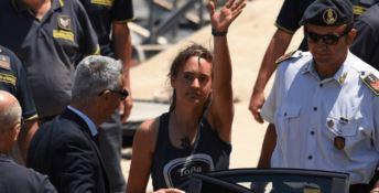 Sea Watch, la comandante torna libera. Salvini: «Non ho parole»