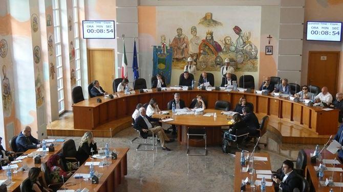 Cosenza, una seduta del Consiglio comunale