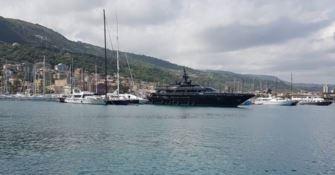 Lo yacht di Armani