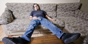 Per 174mila giovani calabresi c'è solo il divano di casa: né studio né lavoro, ecco i Neet