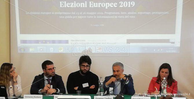 Il tavolo dei relatori al meeting di Palermo dei comunicatori Ue