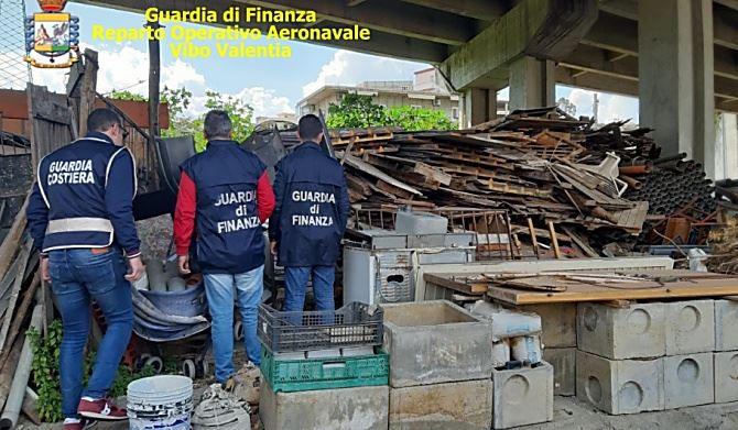 La discarica abusiva a Reggio
