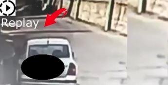 """Paola, """"pizzicato"""" mentre abbandona rifiuti: il Comune pubblica il video"""