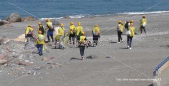 Spiagge e fondali puliti, ad Acquappesa in campo gli studenti