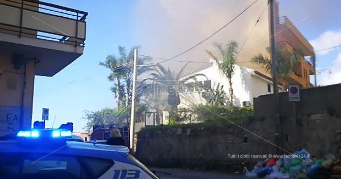 Incendio in un'abitazione a Reggio