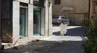 Crolli nel centro storico di Cosenza
