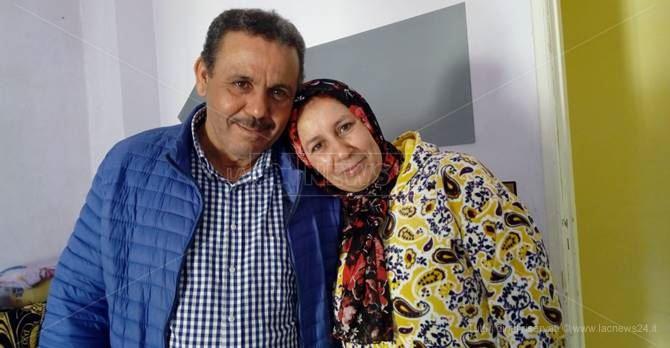 Moudik insieme alla moglie