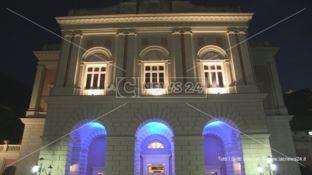 Cosenza, uno scatto notturno del Teatro Rendano