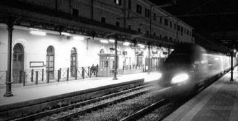Benvenuti in Calabria: ad accogliere i viaggiatori solo Nostra Signora delle Patatine