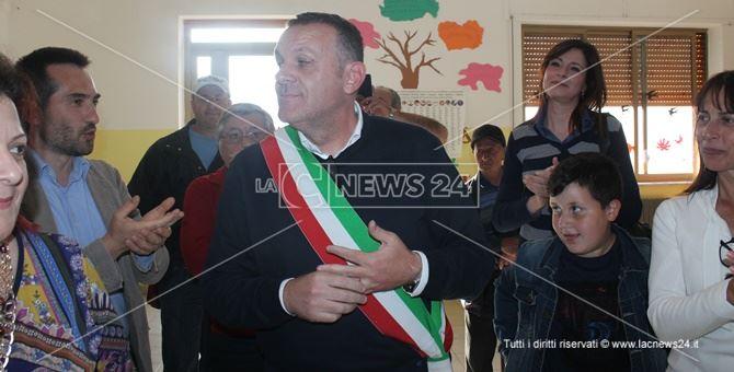 Ugo Vetere indossa nuovamente la fascia di sindaco