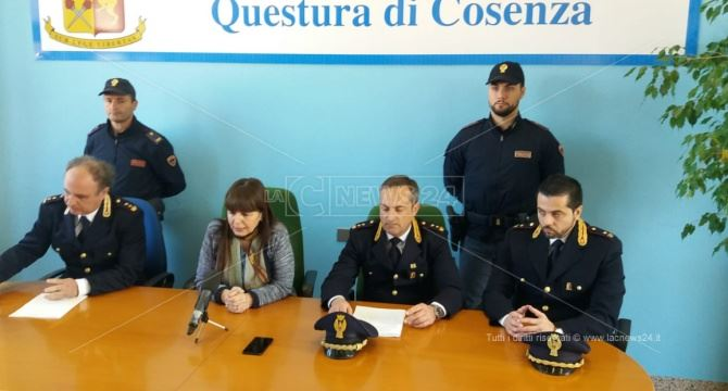Cosenza, la conferenza stampa su omicidio Ruffolo
