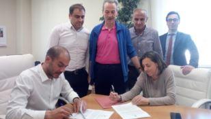 Comune e Cosenza calcio firmano la convenzione per l'uso dello stadio