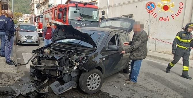 Una delle auto coinvolte nell'incidente