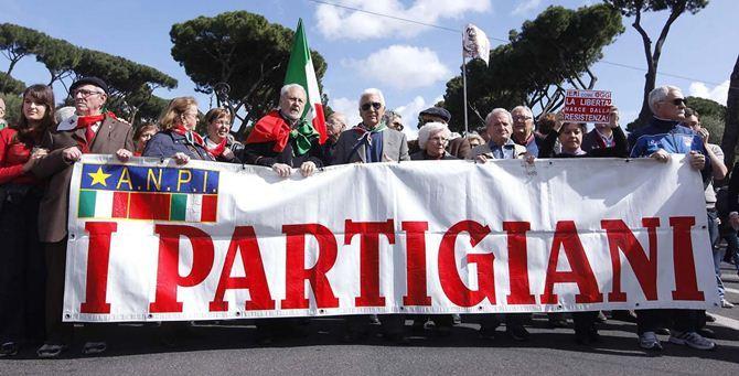 Un gruppo di partigiani