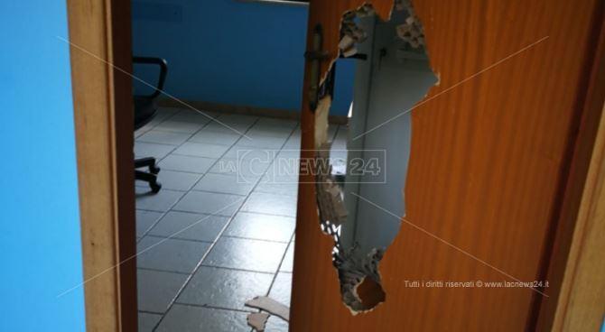 La sede Avis vandalizzata