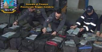 Sequestrati 450 chili di cocaina a Gioia Tauro: avrebbe fruttato 90 milioni