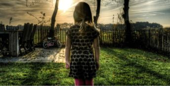 Bimba di otto anni abusata dal padre e contagiata dal Papilloma virus